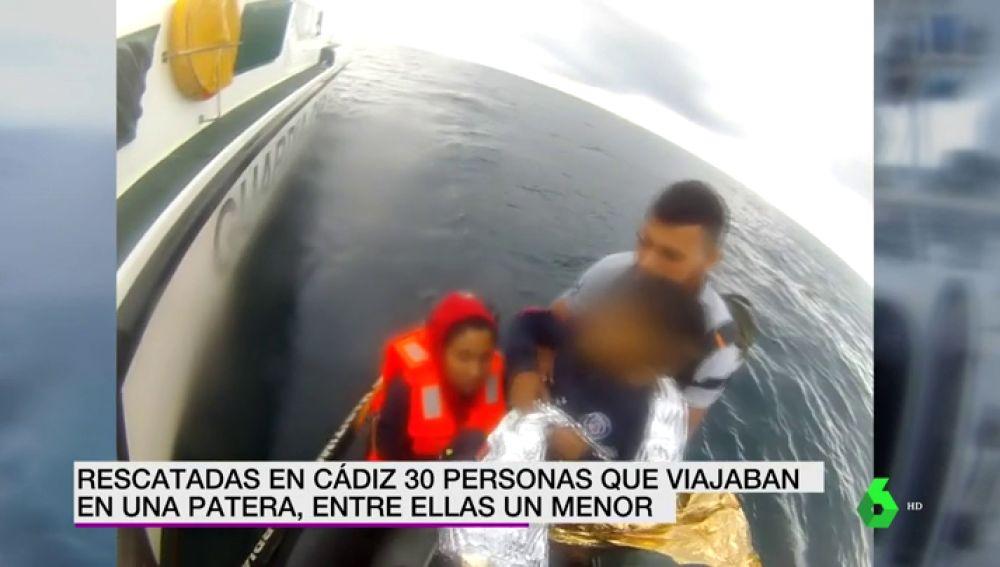 Migrantes rescatados en Cádiz