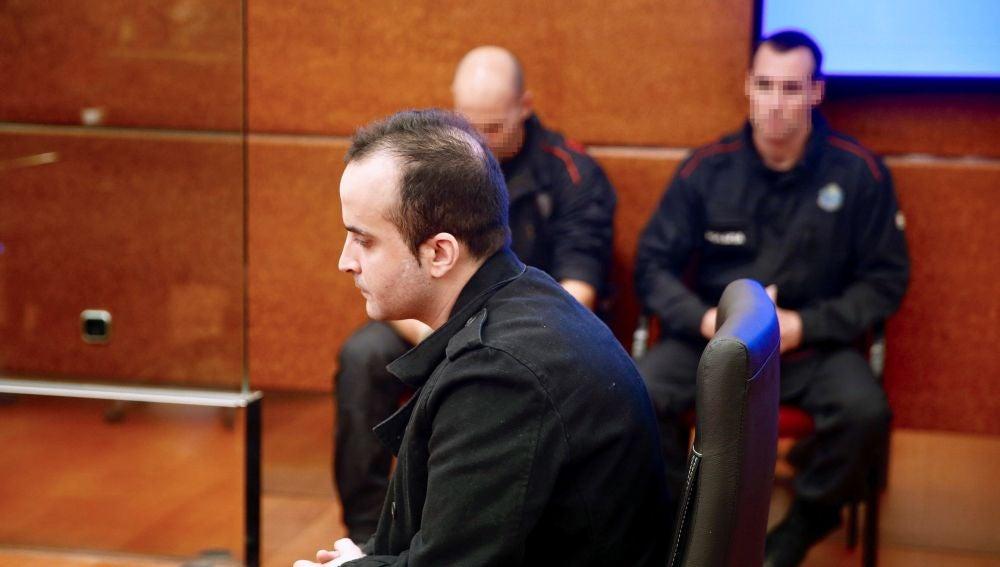 El presunto asesino de una bebé en Vitoria a la que lanzó por una ventana