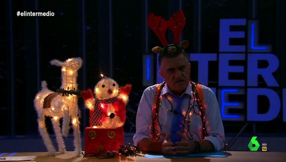 Un reno y un muñeco de nieve con luces: El Intermedio se planta contra la subida de la luz e ilumina el plató con adornos navideños
