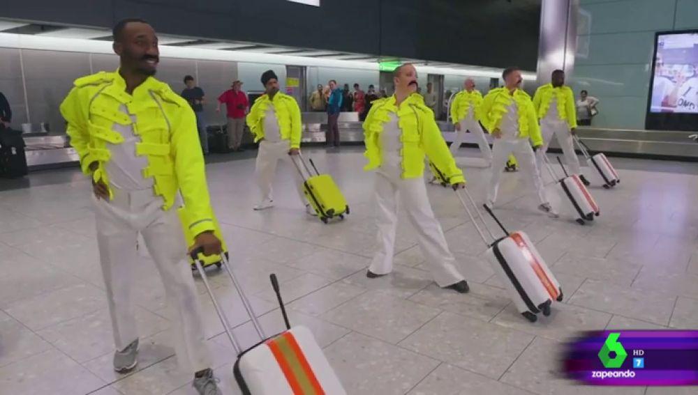 El asombroso homenaje a Freddie Mercury en el aeropuerto de Heathrow en Londres