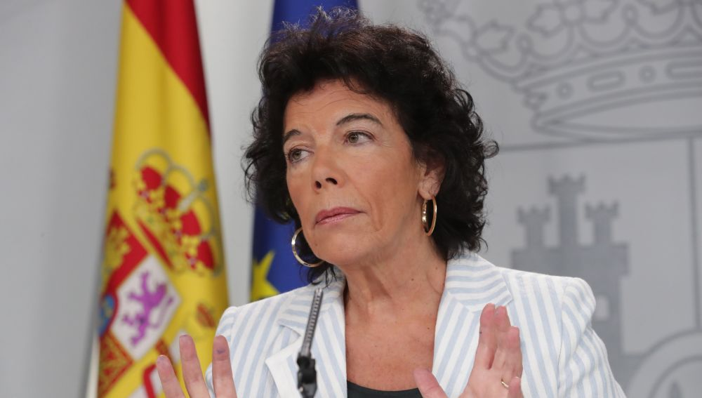 La portavoz del Gobierno y ministra, Isabel Celaá