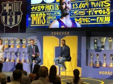 Josep María Bartomeu y Juan Carlos Navarro, en la despedida del mítico '11'