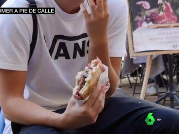 Multas por comer en la calle en Florencia