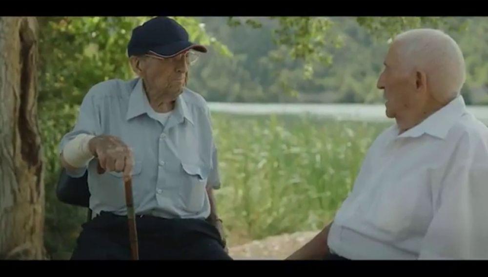 Germán y José no gusta a todos: Iglesias y Podemos encabezan las críticas al vídeo que conmemora los 40 años de la Constitución