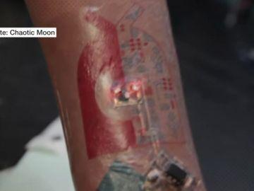 Tatuajes tecnológicos