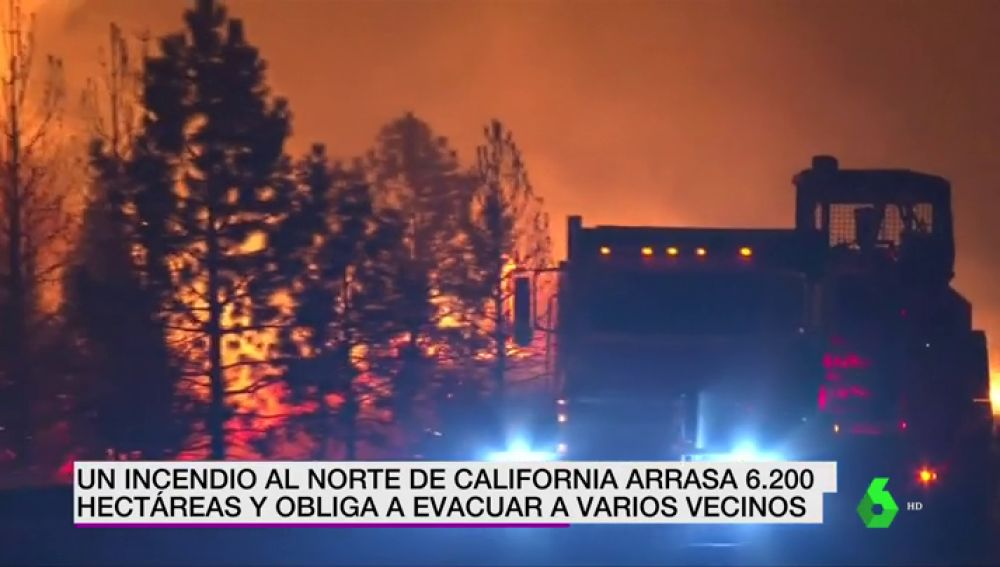 BORRADOR Un incendio al norte de California arrasa 6200 hectáreas y obliga a evacuar a varios vecinos