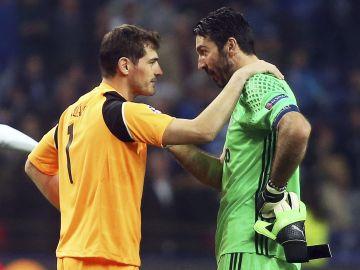 Casillas, Buffon y Petr Cech los porteros más veteranos