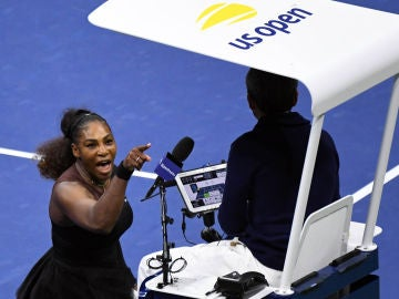 Serena Williams, enfadada con el árbitro en la final del US Open