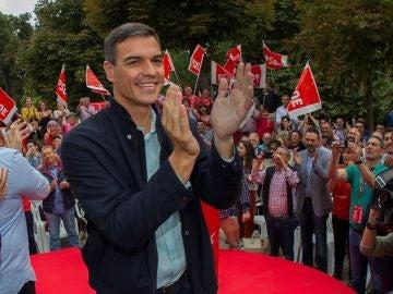 Pedro Sánchez en un acto del PSOE en Oviedo