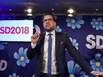 El líder del partido Sverigedemokraterna, Jimmie Akesson, habla en la fiesta electoral