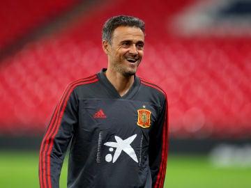 Luis Enrique, sonriente en un entrenamiento con la Selección