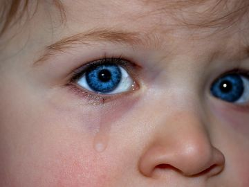 El OjoGel cambia de color al entrar en contacto con la lágrima