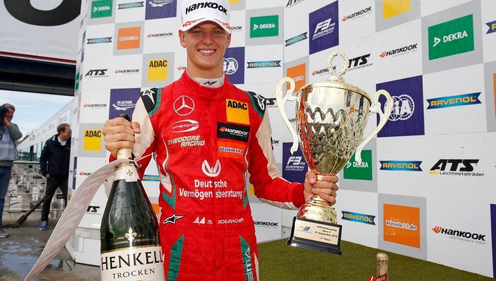 Mick Schumacher Podio2018Nurburgring