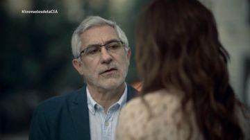 Gaspar Llamazares habla con Mamen Mendizábal
