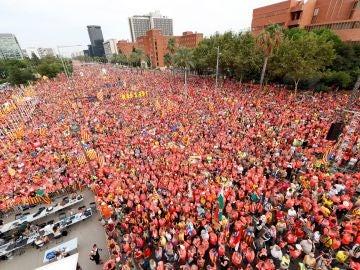 Multitudinaria manifestación de la Diada a favor de la república y los presos