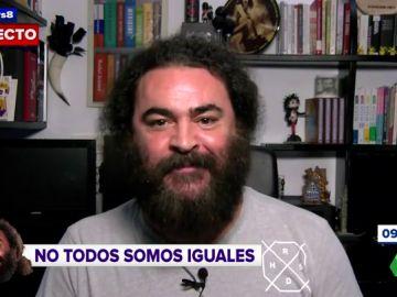 El Sevilla compara a Montón y Aramís Fuster
