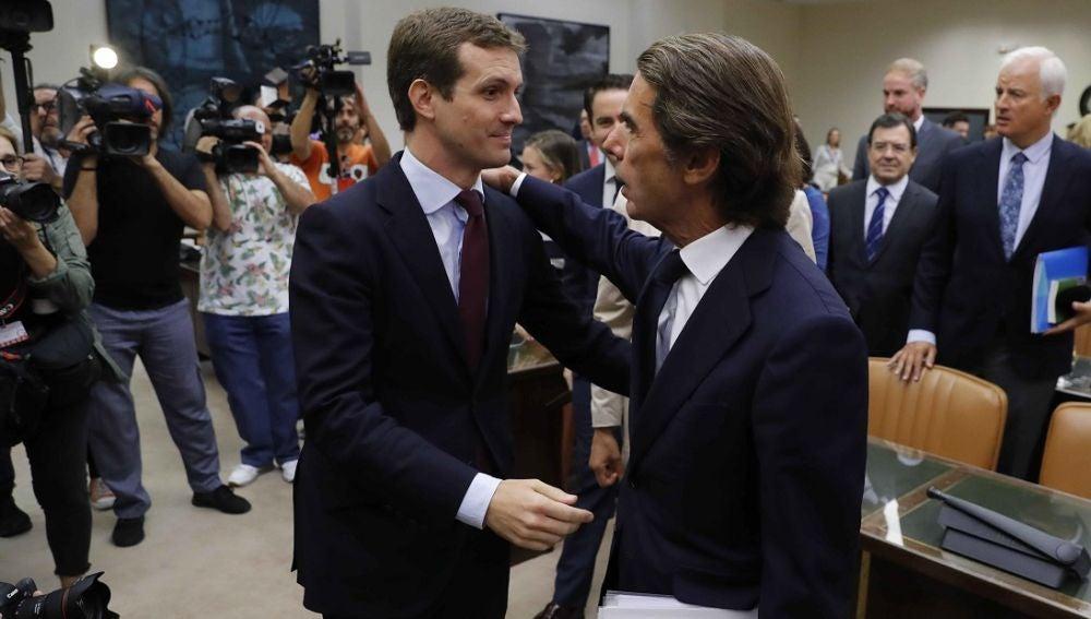Pablo Casado y José María Aznar en el Congreso