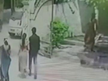 Pareja atacada en la India con un machete