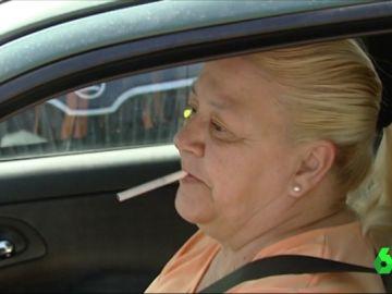 La Generalitat de Cataluña plantea prohibir fumar dentro de los coches