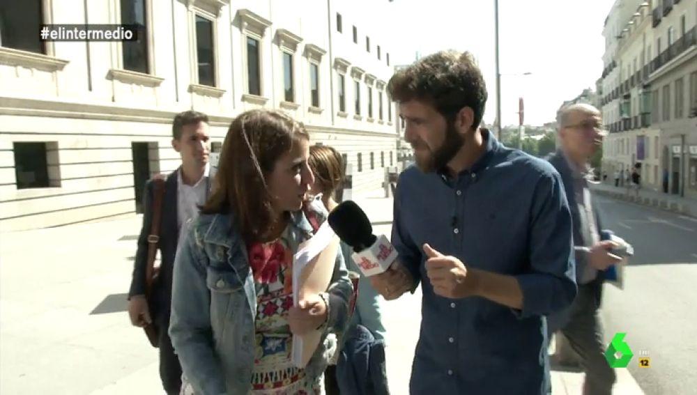 Adriana Lastra habla con Gonzo