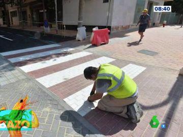 Así es el paso de peatones al revés