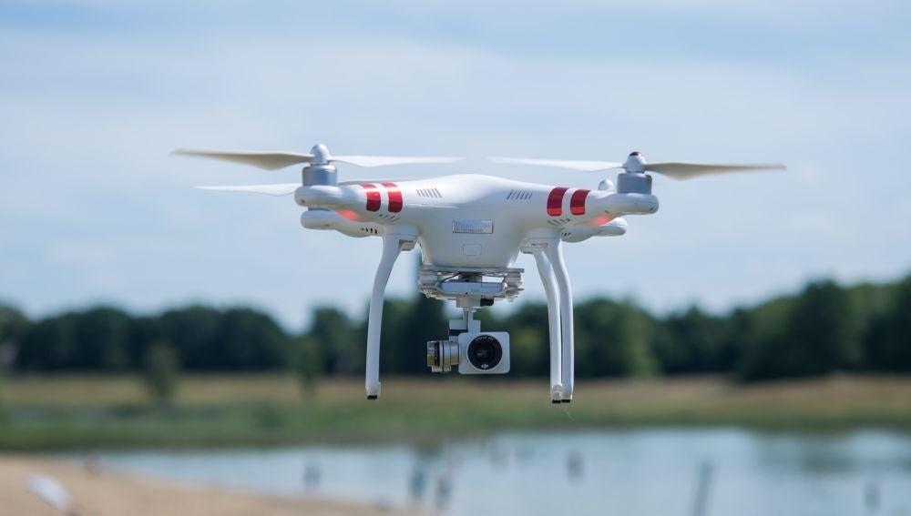 El sistema láser evitará que los drones tengan que aterrizar para cambiarles la batería.