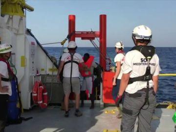 Migrantes rescatados en costas libias