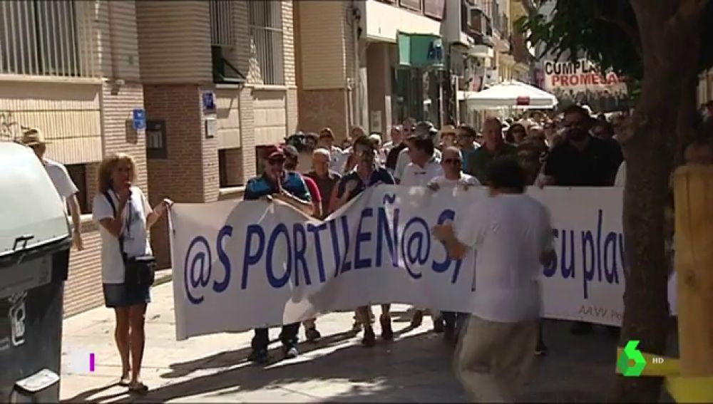 Manifestación en Huelva para reivindicar actuaciones que mejoren las playas