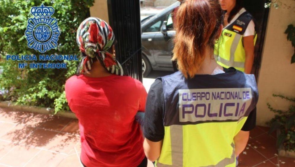 Liberan a diez mujeres prostituidas en Málaga y detiene a 15 personas en una operación contra la trata