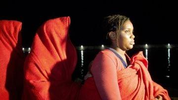 Migrante embarazada rescatada en una patera