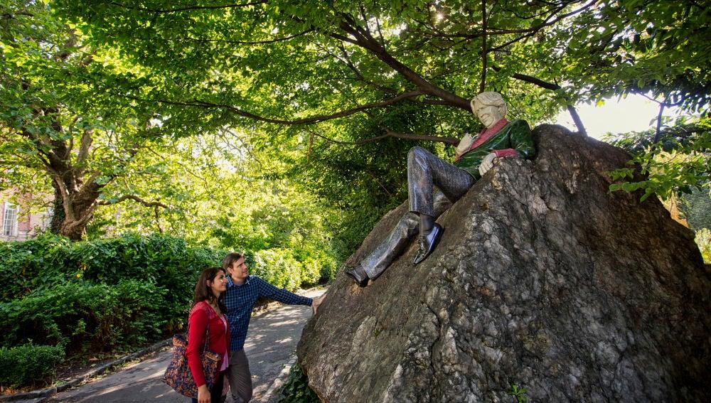 Estatua de Oscar Wilde. Merrion Square