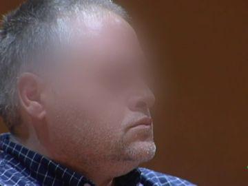 """El acusado de asesinar a su hijo de 11 años a palazos para vengarse de su mujer dice no recordar el crimen: """"Llegué a pensar que todo era un montaje"""""""