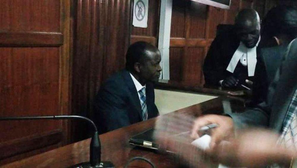 Gobernador de Kenia, acusado de asesinar a su amante embarazada