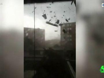 Las impactantes imágenes de un tornado en Iowa desde dentro de un coche