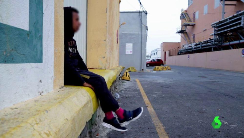 Imagen de un menor migrante