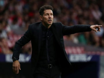 Simeone, durante el partido contra el Huesca