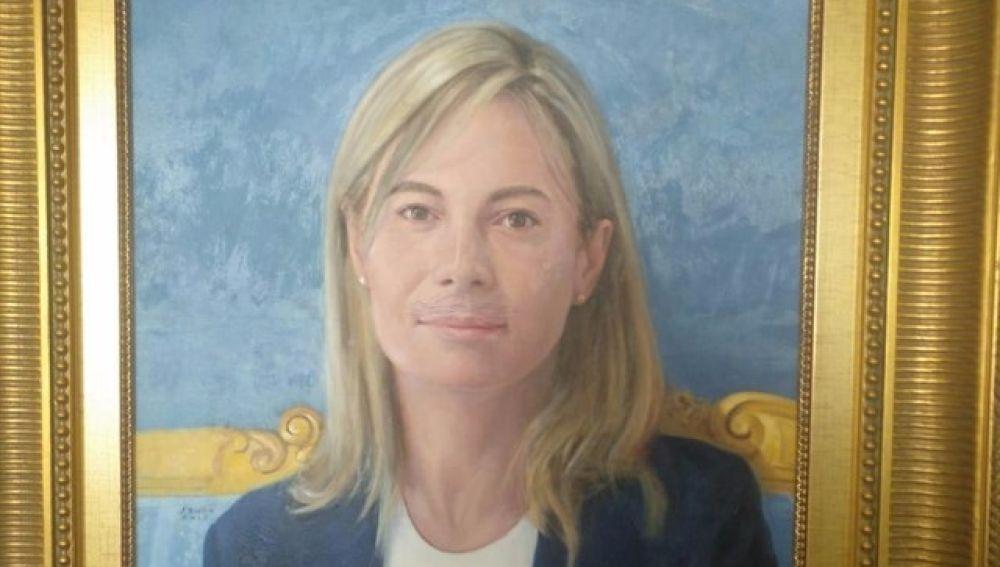 Pintan un bigote en el cuadro de Sonia Castedo en el Ayuntamiento de Alicante