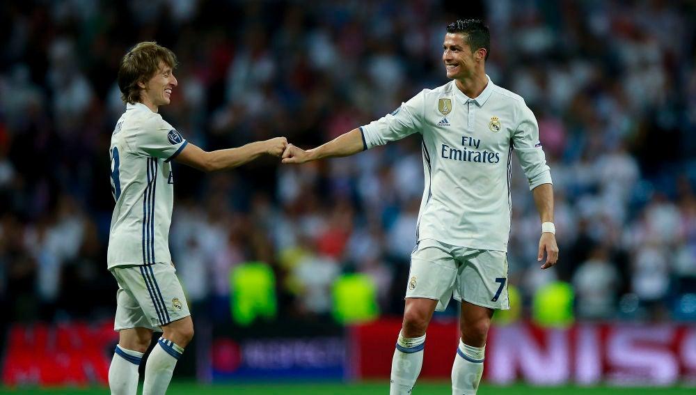 Modric y Cristiano Ronaldo, durante un partido del Real Madrid