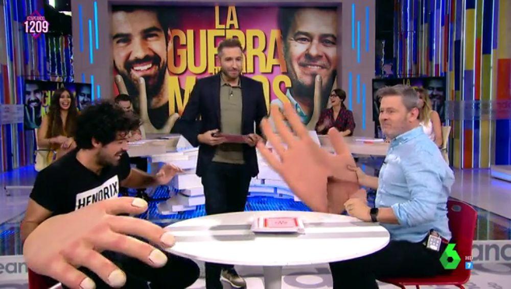 Miki Nadal le da una paliza a Miguel Ángel Muñoz en 'La guerra de las manos' y se carga una mano en el proceso