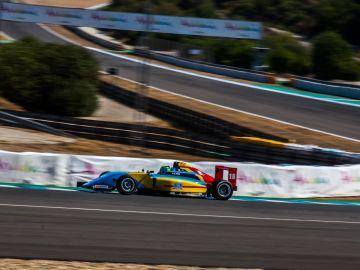 Guillem Pujeu recupera el ritmo en Jerez en una F4 española con cuatro candidatos al título