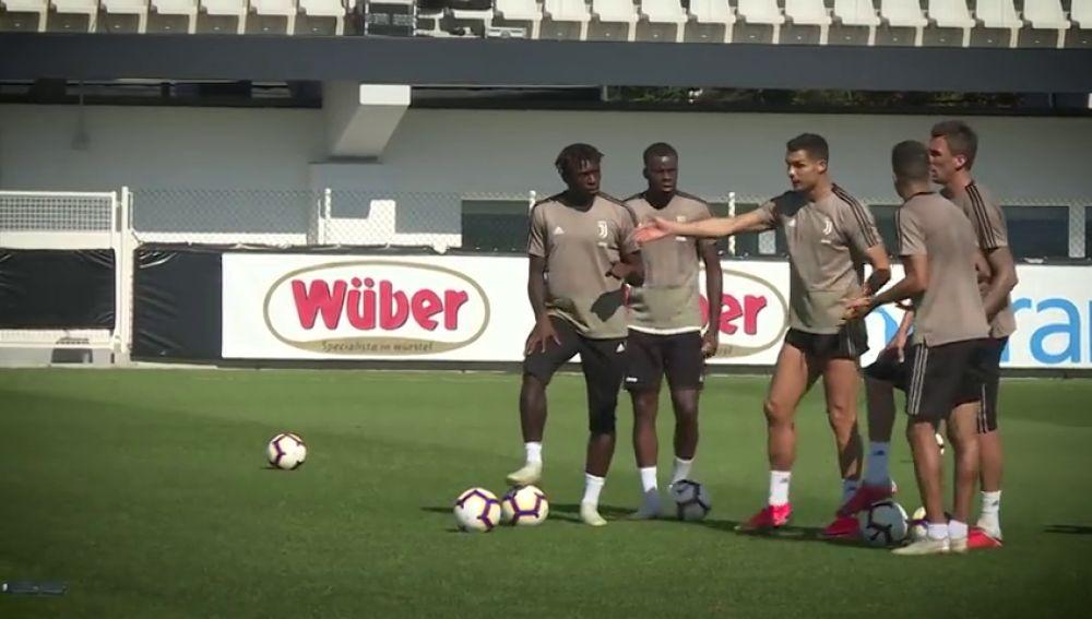 El pique de Cristiano y Mandzukic: el portugués no perdona ni en los entrenamientos de la Juventus