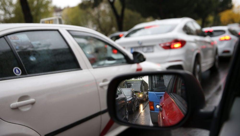 Madrid limita la velocidad a 30 km/h en el 85 % de sus calles y pone restricciones a los monopatines