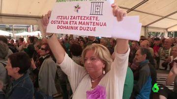 La presidenta de COVITE irrumpe en un acto proetarra para pedir justicia