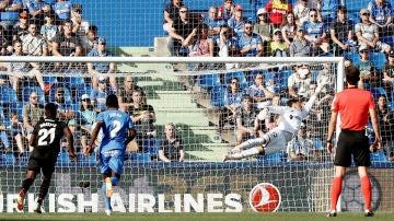 Soria encaja un gol ante el Levante