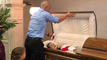 Una mujer y su hija fallecidas en su ataúd