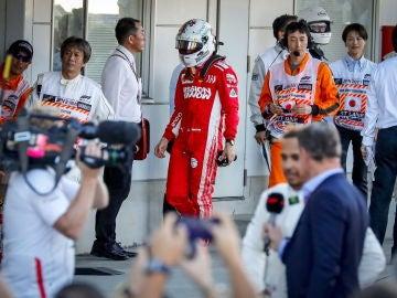 Vettel se encamina al box tras finalizar el GP de Japón