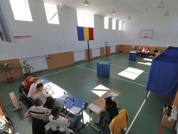 Colegio electoral en Rumanía