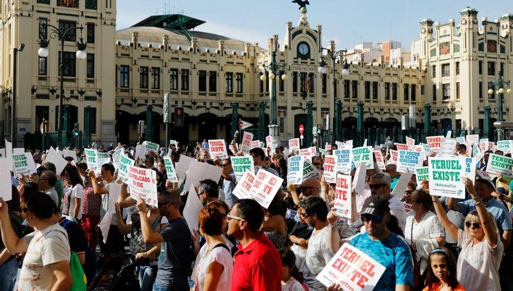 Valencianos y aragoneses marchan por el Corredor Cantábrico-Mediterráneo
