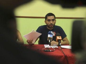El secretario general del Sindicato de Estudiantes, Tohil Delgado, durante una rueda de prensa.