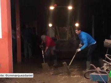 REEMPLAZO | Rafa Nadal, un voluntario más en Sant Llorenç: ayudó en las tareas de limpieza tras las lluvias torrenciales caídas en Mallorca